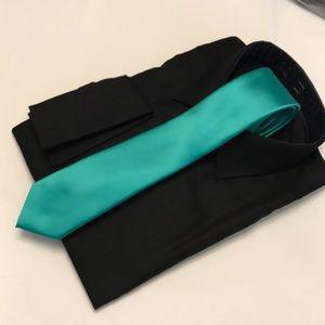 Apt polyester tie